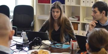 Čeští a ukrajinští experti učí studenty rozkrývat lživé zprávy