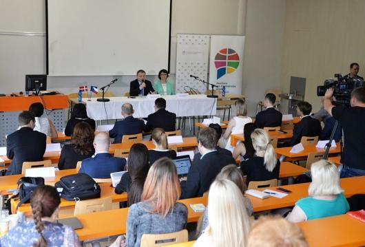 Ministr Zaorálek vystoupil na konferenci o ekonomické diplomacii na Vysoké škole ekonomické