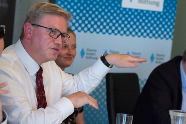 Bývalý eurokomisař Füle by mohl kandidovat na generálního tajemníka OBSE