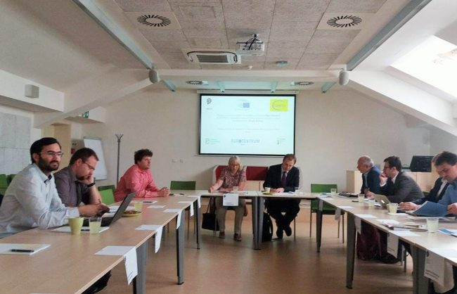 Hlavní přínosy a rizika sdílené ekonomiky diskutovala Olga Sehnalová na kulatém stolu v Brně
