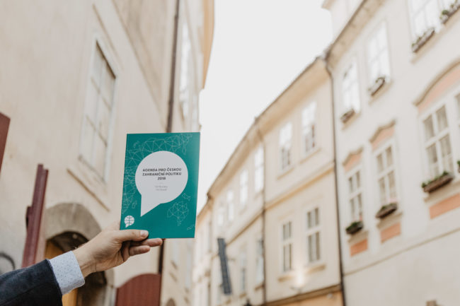 Úvodní kapitola: Vrávorání české zahraniční politiky