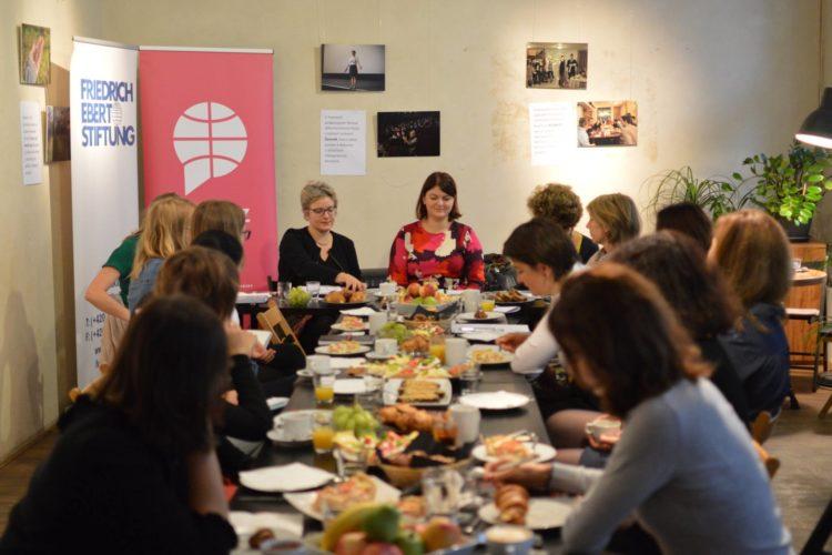 Setkávání žen v české zahraniční, evropské a bezpečnostní politice