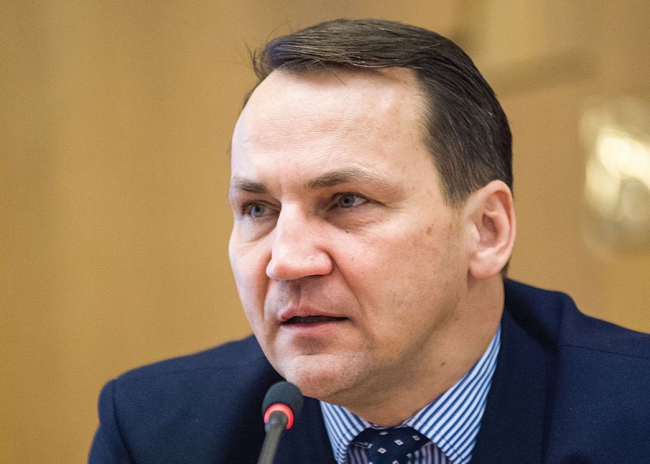 Radosław Sikorski: Putin is a Gambler whose luck has run out