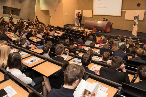 Studentky z Boskovic byly na Pražském studentském summitu