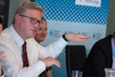 Ministerstvo zahraničí chce diplomata Füleho protlačit do čela OBSE. Jaké má šance?