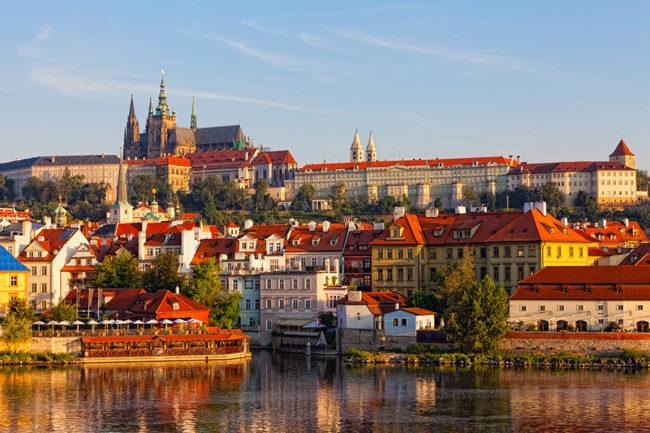 Experti kritizovali českou diplomacii. Co se jim nelíbilo?