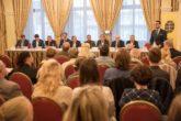 Kde je odpovídající místo Česka v současném světě? Sledujte předvolební debatu o zahraniční politice