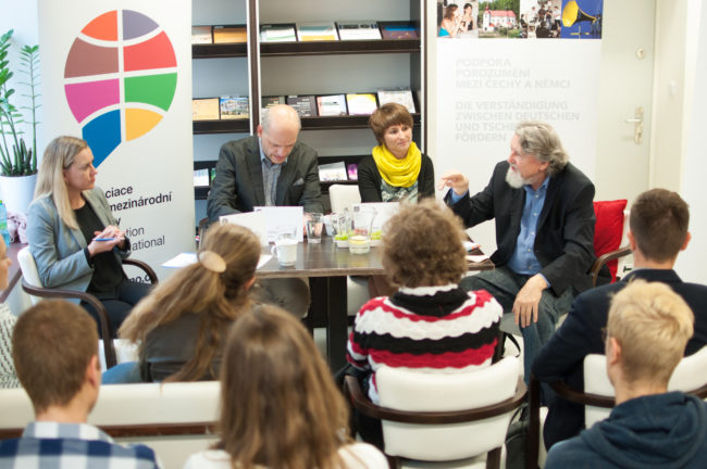 AMO Organized 5 Debates on German and Austrian Elections