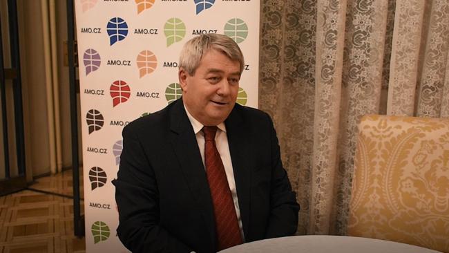 Šéf komunistů Filip: Krym byl vždycky ruský, měli bychom to respektovat