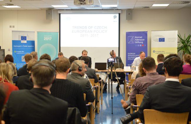 AMO v Bruselu a Praze představila výsledky projektu Trendy visegrádských evropských politik