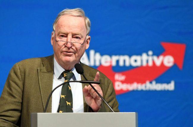 """Východní Německo obchází """"modrá hrozba"""". Radikálové z AfD směřují k volebnímu triumfu"""