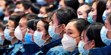 Uvnitř čínské globální a propagandistické kampaně v souvislosti s COVID-19