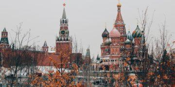 AMO Talks: Vrbětice, Ukrajina i Navalnyj – jak dál na vztahy EU s Ruskem?